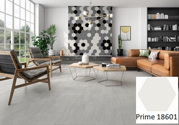 Gạch lục giác Prime 18601 tông màu xám được sử dụng để trang trí tường phòng khách. Căn phòng trở nên ấn tượng, nổi bật hơn hẳn với mẫu gạch ốp tường này