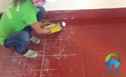 cách vệ sinh gạch đỏ lát sân