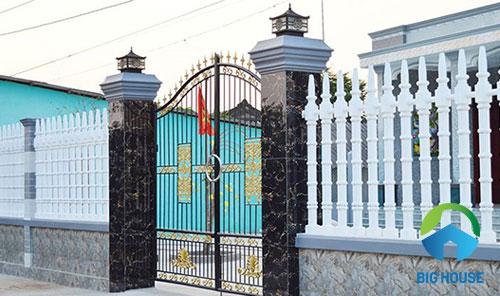 gạch ốp cổng nhà bắt mắt