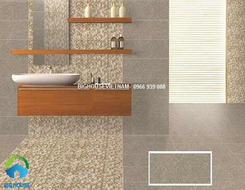Gạch mosaic kết hợp với gạch vân đá bề mặt nhám giúp chống trơn trượt hiệu quả