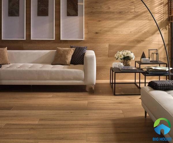 Gạch giả gỗ kết hợp ốp lát mang đến sự ấm áp cho không gian