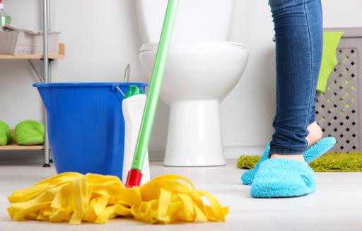 Cách làm sạch gạch nhà vệ sinh trong nháy mắt Cực Đơn Giản