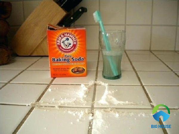 cách làm sạch gạch nhà vệ sinh 2