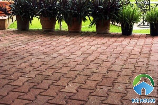 Gạch block lát sân vườn chữ I