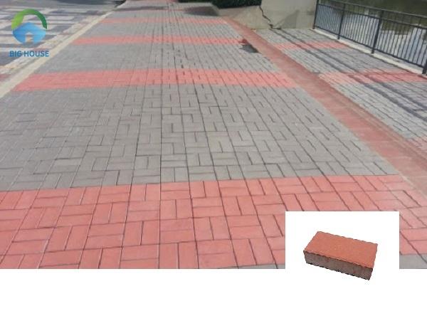 Bạn sẽ thường xuyên bắt gặp các mẫu gạch block hình chữ nhật màu đỏ lát vỉa hè