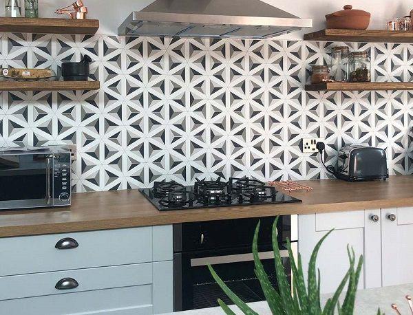 gạch bông lục giác ốp tường bếp