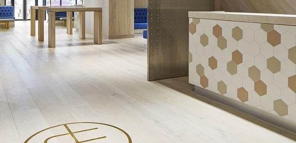 Giá bán của gạch ceramic rất cạnh tranh, do đó, mọi người đều có thể ứng dụng với công trình của mình.