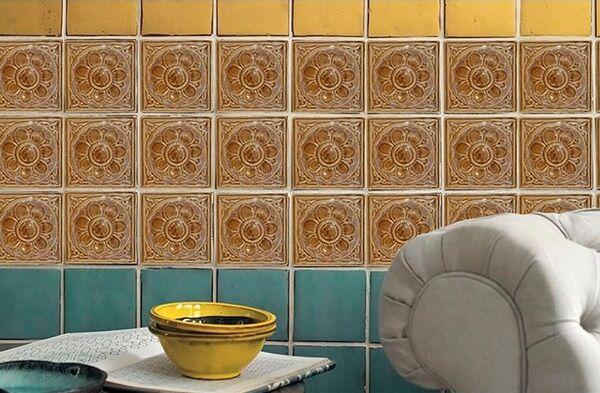 Gạch gốm với hoa văn tông màu sáng đẹp mắt