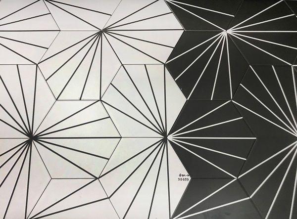 Bộ gạch lục giác đen - trắng họa tiết 5 dòng kẻ