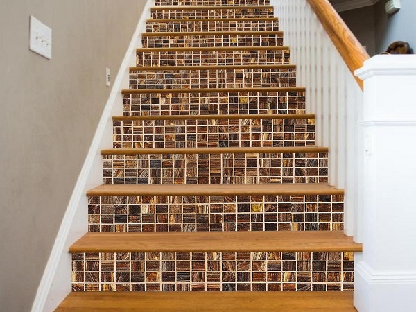 gạch mosaic lát bậc cầu thang