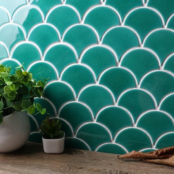 Gạch mosaic vảy cá 90004 màu xanh ngọc men rạn tạo điểm nhấn sang trọng cho mọi không gian