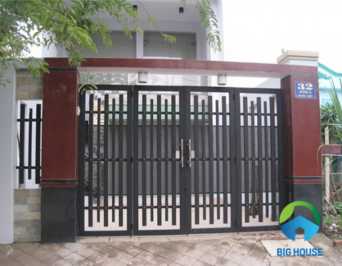 Gạch ốp trụ cổng nhà màu đen