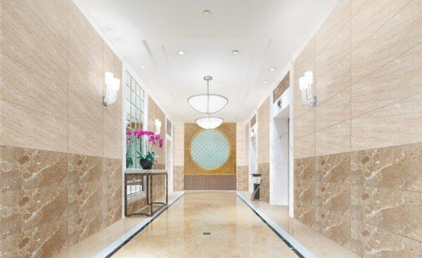 Gạch ốp tường 40x80 được sử dụng với những không gian có diện tích rộng như đại sảnh,...