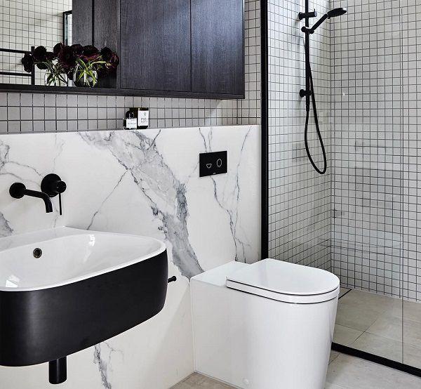 gạch ốp tường nhà vệ sinh nhỏ vân đá