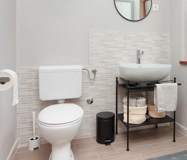 gạch ốp tường nhà vệ sinh kích thước nhỏ