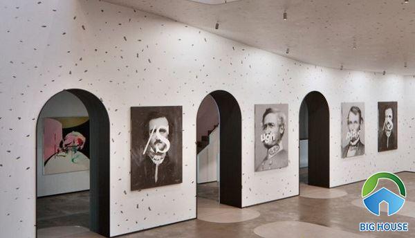 Sử dụng gạch terrazzo 60x60 ốp lát toàn bộ không gian bảo tàng đơn giản mà tinh tế