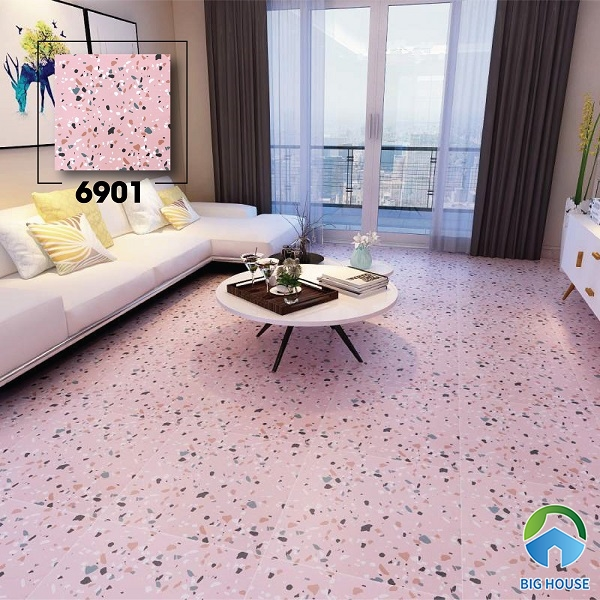 Gạch terrazzo 600x600 mã 6901 cũng là một sự gợi ý hay. Sử dụng loại gạch này trang trí phòng khách rất đẹp. Màu hồng nhạt của gạch mang đến không gian thơ mộng, lôi cuốn.