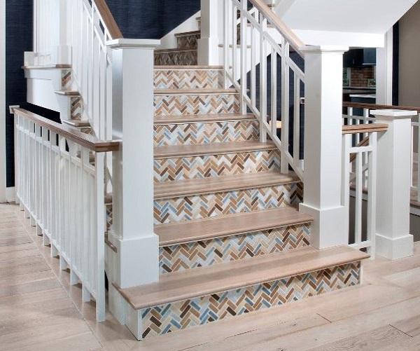 mẫu gạch mosaic lát bậc cầu thang đẹp