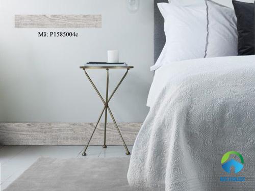 Gạch vân gỗ ốp chân tường vừa tiết kiệm lại trang nhã