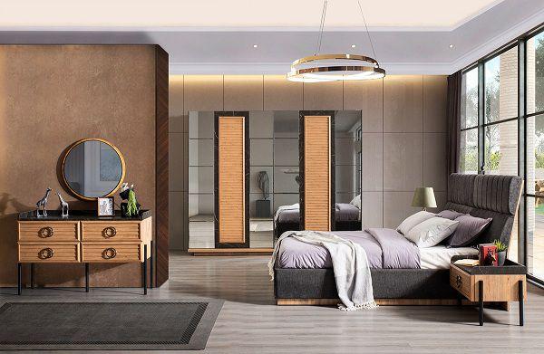 Gạch ốp phòng ngủ kích thước lớn, tông cam ấm áp