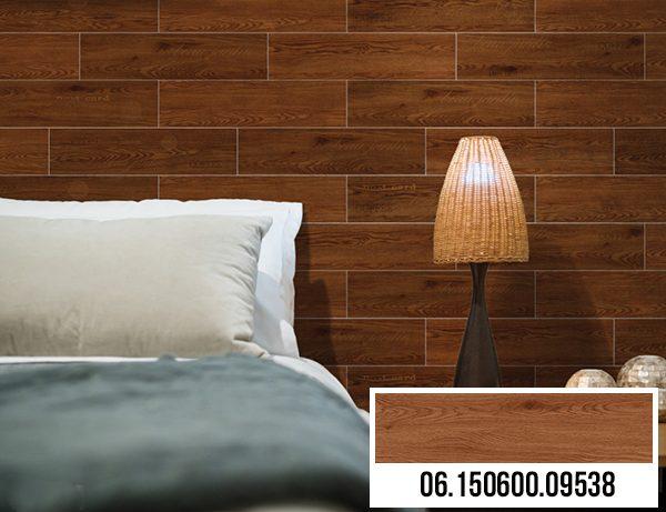 Chọn gạch giả gỗ Prime 9538 ốp tường phòng ngủ để tạo điểm nhấn cho không gian