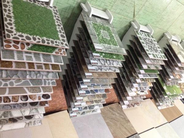 Thanh lý gạch lát sân vườn giá rẻ 40×40, 50×50 tốt nhất 2021